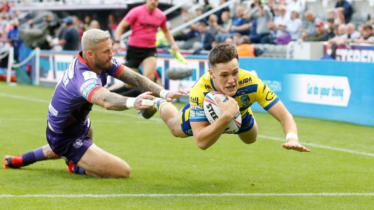 Josh Thewlis scores the first try for Warrington