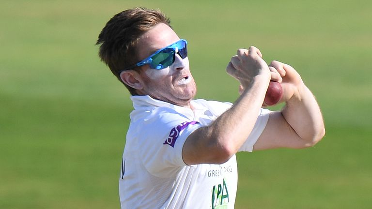 Liam Dawson's five-wicket haul saw Hampshire beat Nottinghamshire and move top of County Championship Division One with one game to go
