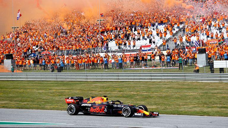 Max Verstappen krijgt zijn grote steun in de meeste races ... en de Oranje Zee zou dit weekend nog groter moeten zijn