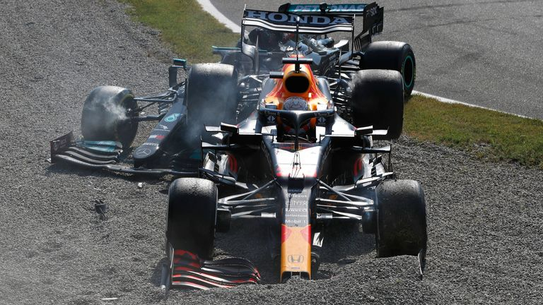 Sky F1's Paul di Resta was at the SkyPad to analyse the controversial collision between title rivals Lewis Hamilton and Max Verstappen, which saw both cars crash out.
