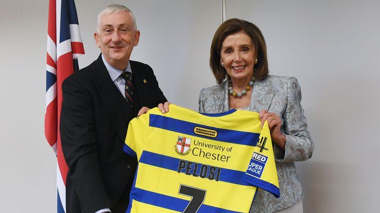 Sir Lindsay Hoyle presents US counterpart Nancy Pelosi with a Warrington Wolves shirt (Credit: ©UK Parliament/Jessica Taylor)