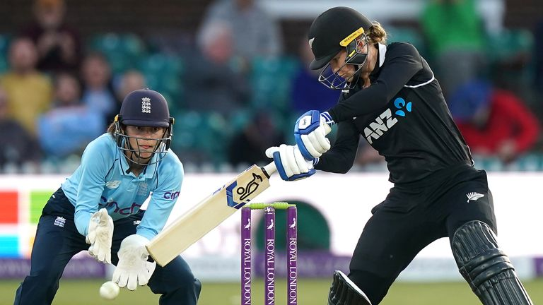 Maddy Green took control in the chase as she made 70 no in the chase for New Zealand