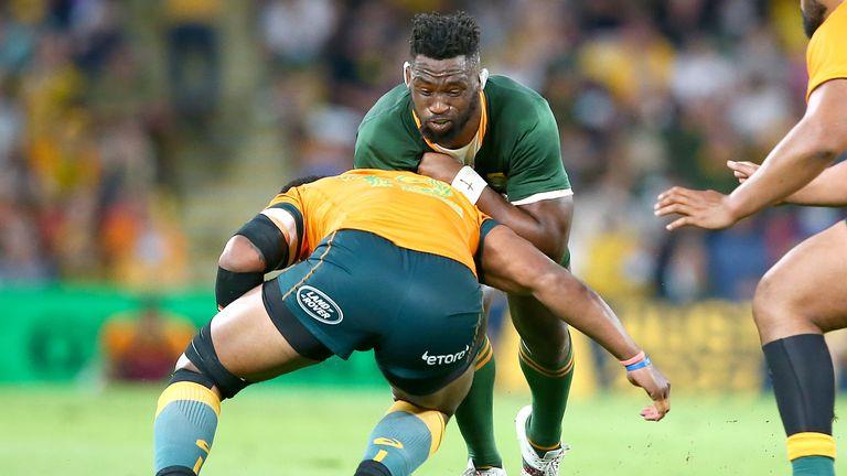 Siya Kolisi runs into contact for South Africa
