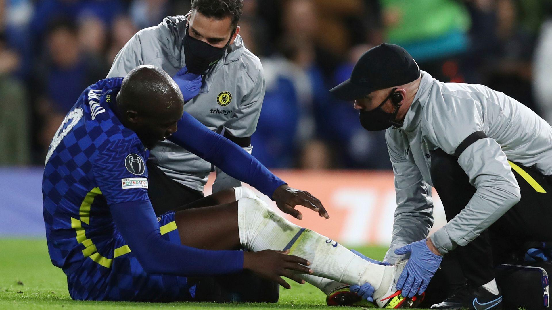 Lukaku injury mars Chelsea demolition of Malmo
