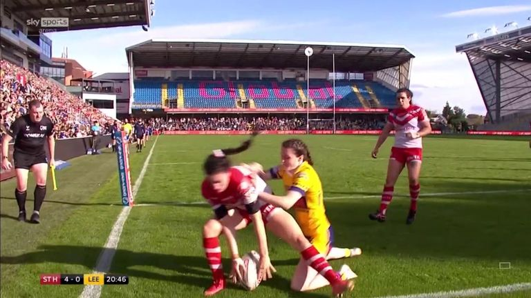 Leah Burke just managed to get on the end of a lovely kick from Zoe Harris to open the scoring in the Women's Grand Final!