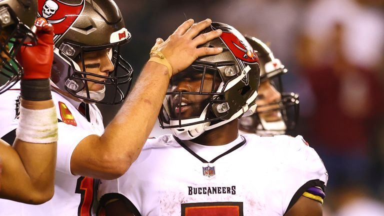 Tampa Bay Buccaneers 28-22 Philadelphia Eagles: Tom Brady and the Bucs hold off late Philly comeback to claim road win |  NFL News